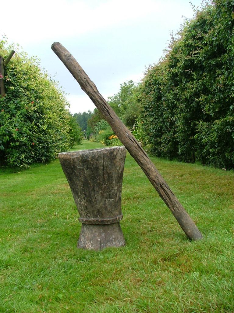 houten vijzel uit Tanzania