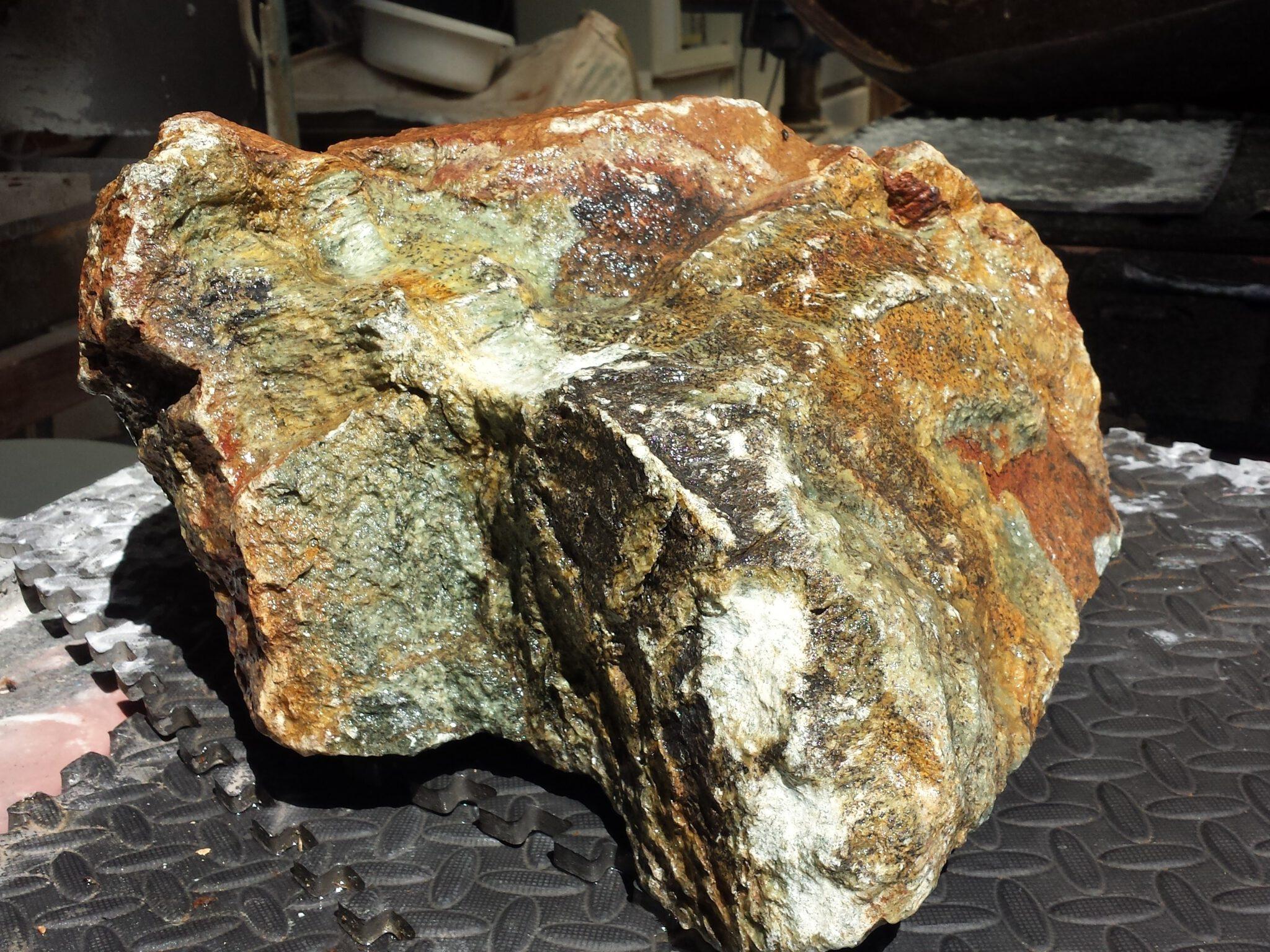 kunst natuurlijke steen als urn
