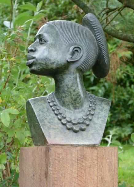 kunst tuinbeeld als urn