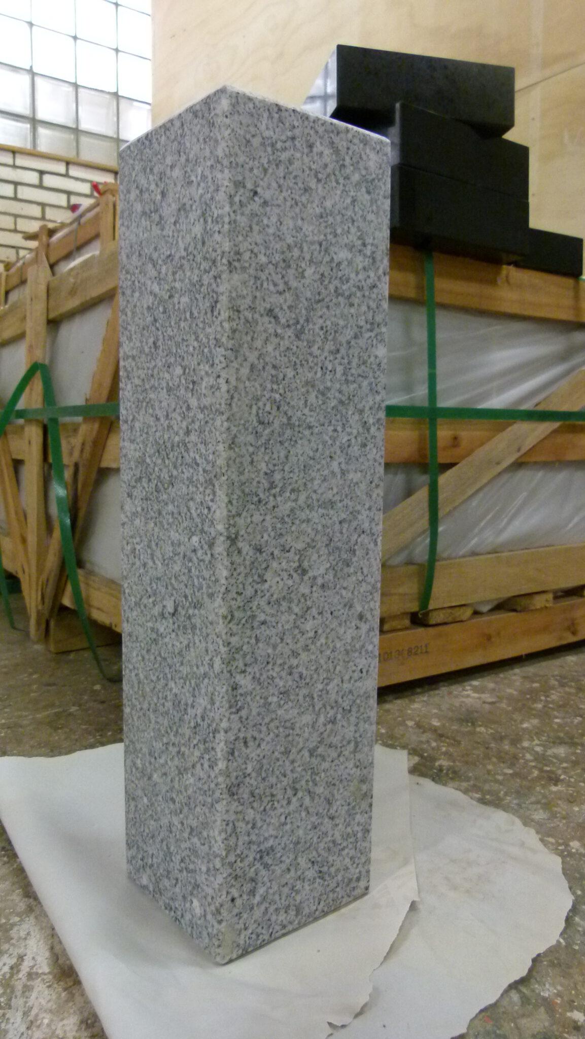grijs gevlekt graniet