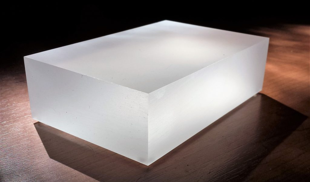 perspex sokkel mat ice 4 cm